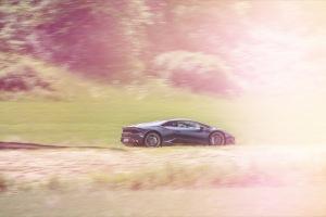 Lamborghini Huracan bunte Lichtexplosion Wallpaper