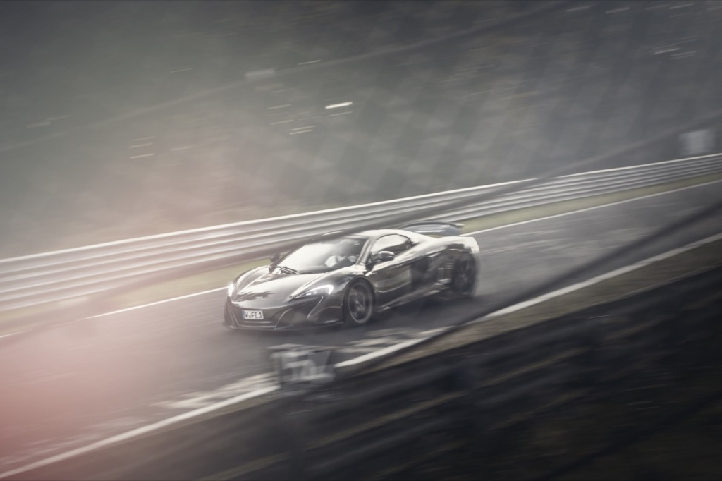 McLaren im Licht Nordschleife Touristenfahrten Wallpaper