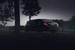Mercedes C43 AMG mystisch von hinten nachts Wallpaper