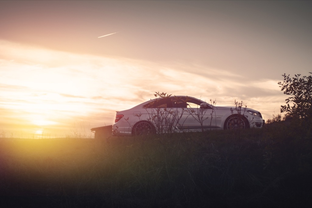 Mercedes C63 AMG GAD Sonnenuntergang Flugplatzblasen 2016 Wallpaper