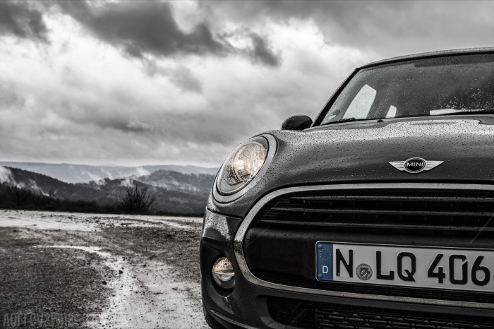 Mini One vorne Wolken Wallpaper