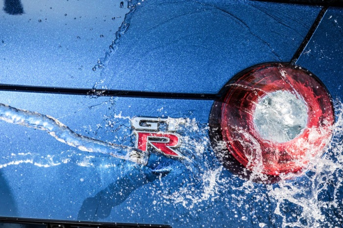 Neuer Nissan GTR 2016 Logo Wasseraction Wallpaper