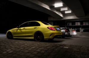 Mercedes C63S AMG Nissan GTR BMW M4 nachts Wallpaper